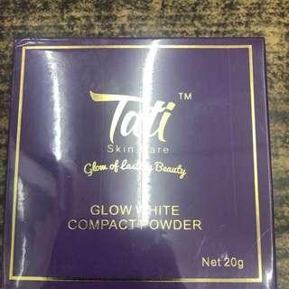 🚚 Glow white compact powder Tati