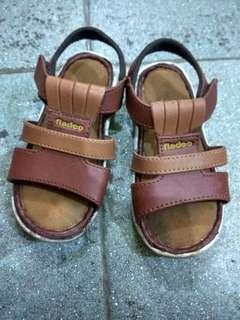Sendal sepatu anak laki Fladeo