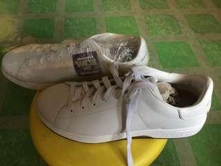 Sketchers Leather Sneakers