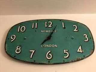 🚚 Newgate Wall Clock