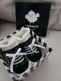 Newborn socks with box