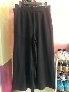 UNIQLO square pants brand new condition garterized
