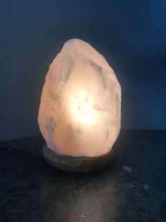 Himalaya natural white rock salt stone lamp
