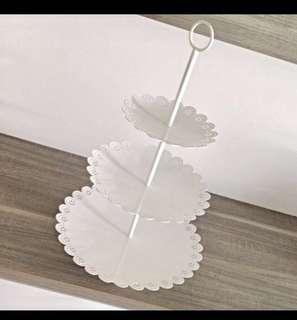 Scallop lace three tier cake stand