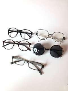 Eyewear / sunglasses / spectacles