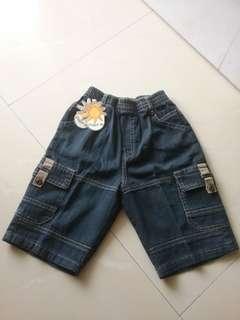 Little M celana pendek anak