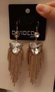 全新H & M潮流女裝耳環一對 Ear Rings