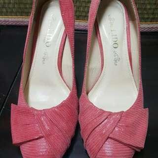 贈-高跟鞋