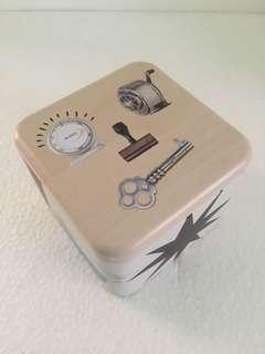 Fossil Tin Box (warna cream)