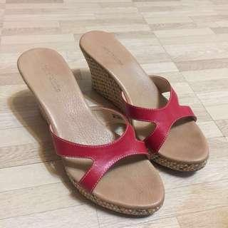 ANDRE VALENTINO Red Wedges size 38