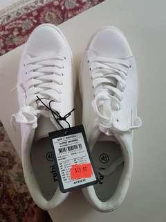 Sneakers for 10$