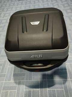 Givi Box Bold B32 32 Litres