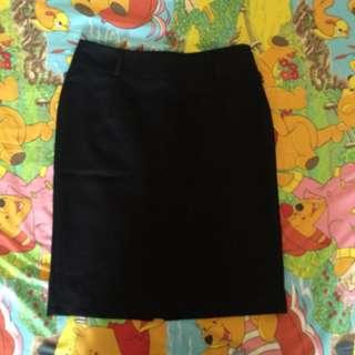 black skirt casual