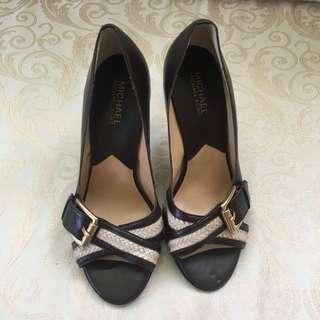 Michael Kors heels size 7 1/2