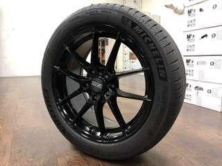[SOLD] 17inch PCD 5-114.3 OZ Leggera with Michelin PS4 235/45/17 set of 4