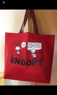 snoopy 袋30*10*31cm 日本雜誌書 snoopy 紅色袋丶可手挽袋丶可側咩
