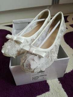 Vincci Floral Lace Shoes