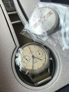 Authentic Seagull 1963 military watch with both crystal and metal back cover 38mm Hand Wind Brand New