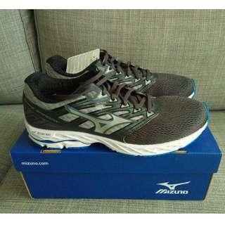 Brand new Mizuno running shoes (Wave Shadow, size 9 UK), never worn, cheap price