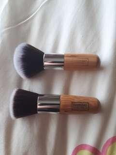 Everyday Minerals brushes