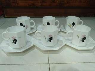Arcopal Teacups Vintage