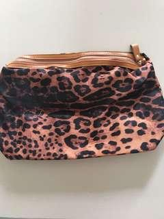 Animal print multi-purpose travel organiser