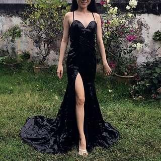 👭 BLACK SEXY BACK SEQUIN GOWN WITH SLIT & LONG TRAIN (RENTAL)