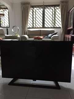 """Philips 40"""" TV"""
