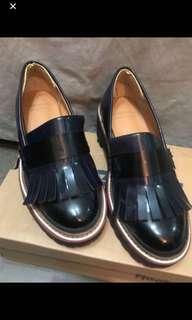 99% new Korea shoes