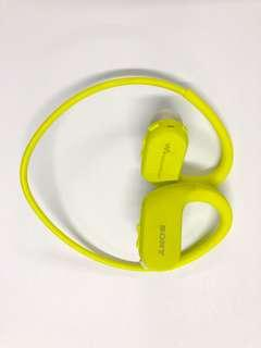 Waterproof Wireless 4GB Storage Sony Digital Music Player Earphone NW-WS413 Used 9.5/10
