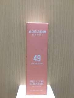 W DRESSROOM No 49 (Peach Blossom)