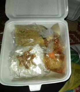 Nasi uduk nasi box nasi kotak catering spesial bumbu ayam bakar dan goreng
