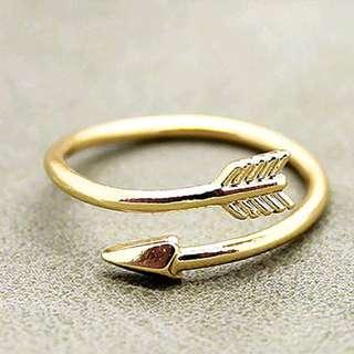 Arrow ring gold