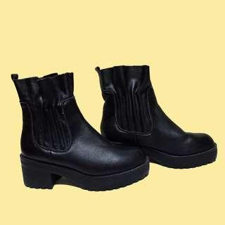 PLATFORM CLEATED SOLE BLOCK HEEL ANKLE BOOTS SHOES