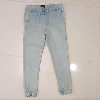 #H&M50 High cultured jogger jeans