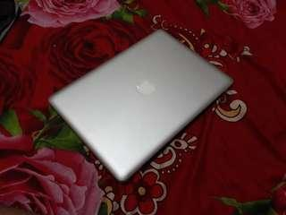 Macbook Pro core i5 early 2011 13inch
