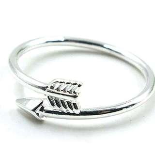 Arrow ring silver