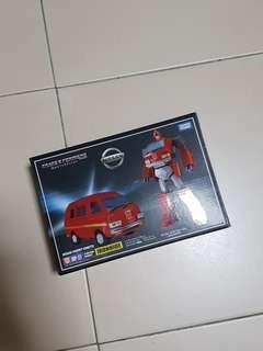 MP 27 ironhide takara tomy authentic