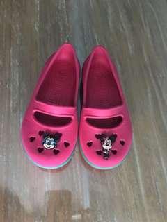 Crocs disney pink