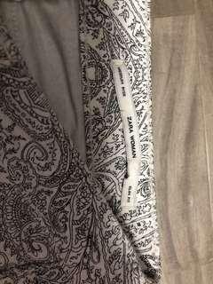 🚚 Zara Women jeans(slim fit plus medium rise