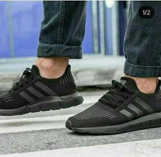 Adidas Swift Run Triple Balck