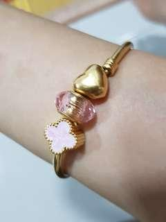 Pandora inspired gold plated core pink murano