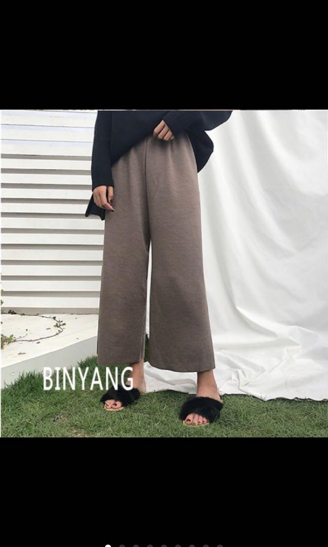 咖啡色直條長褲