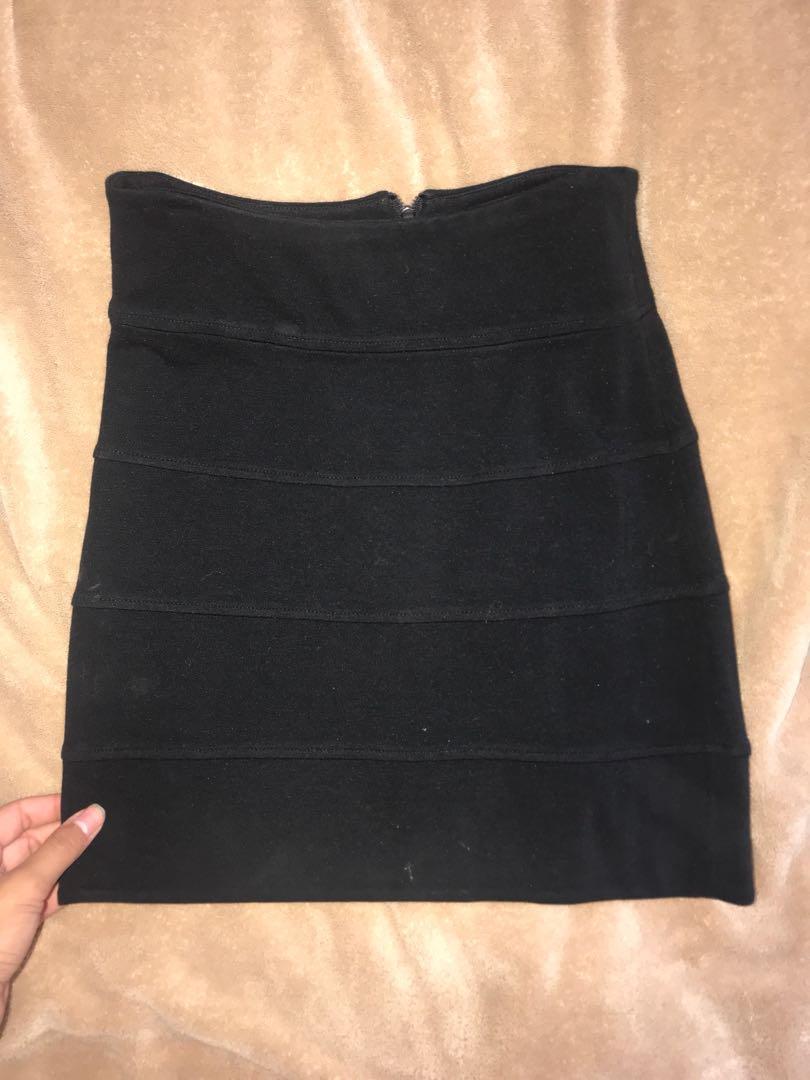 Black aritiza skirt size 2