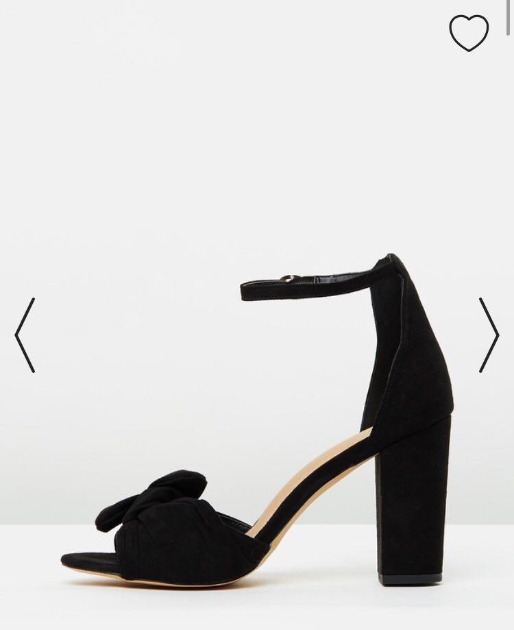 Cute knot heels