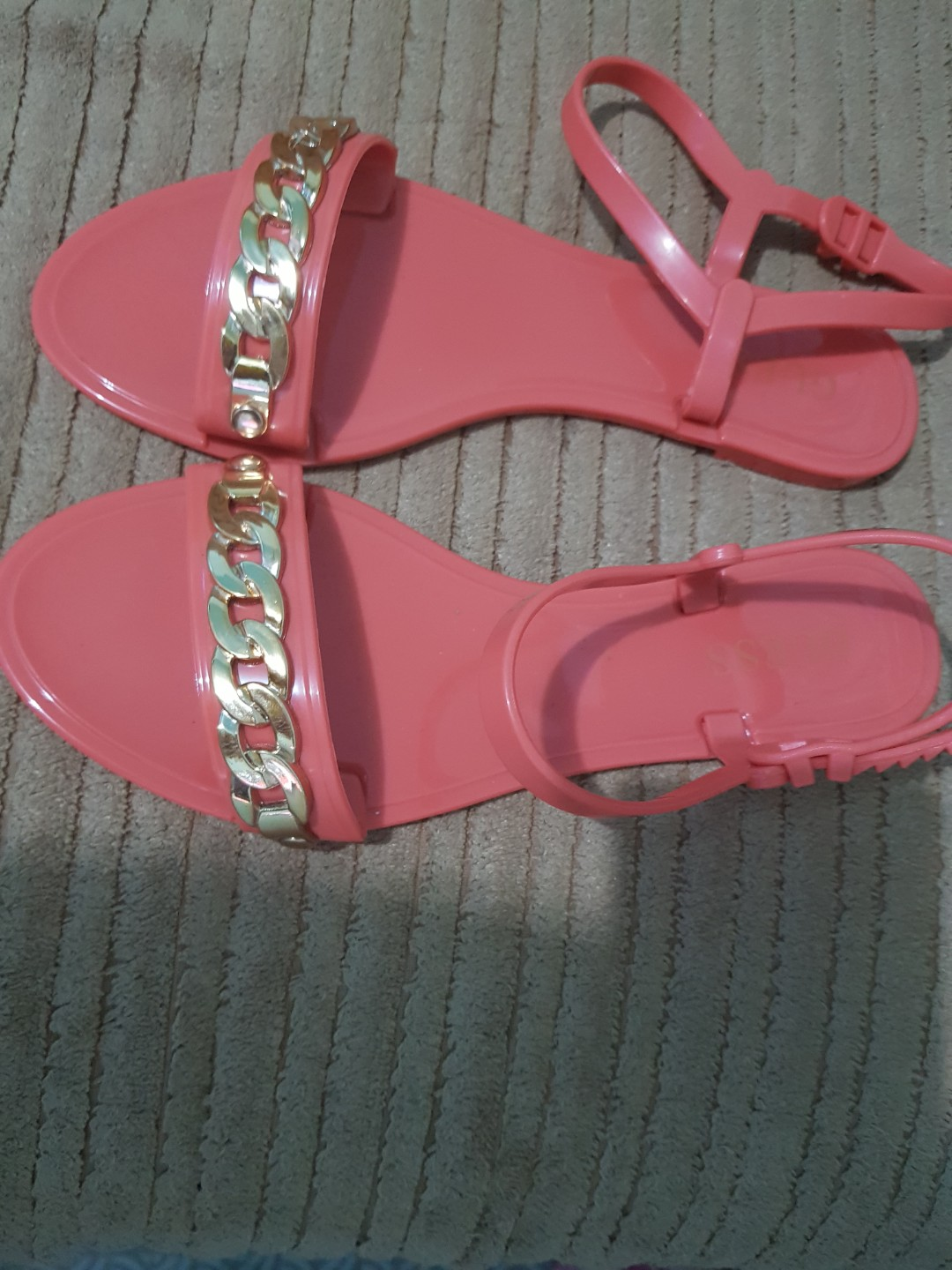 996ad8fd4 Guess jelly sandals size 7