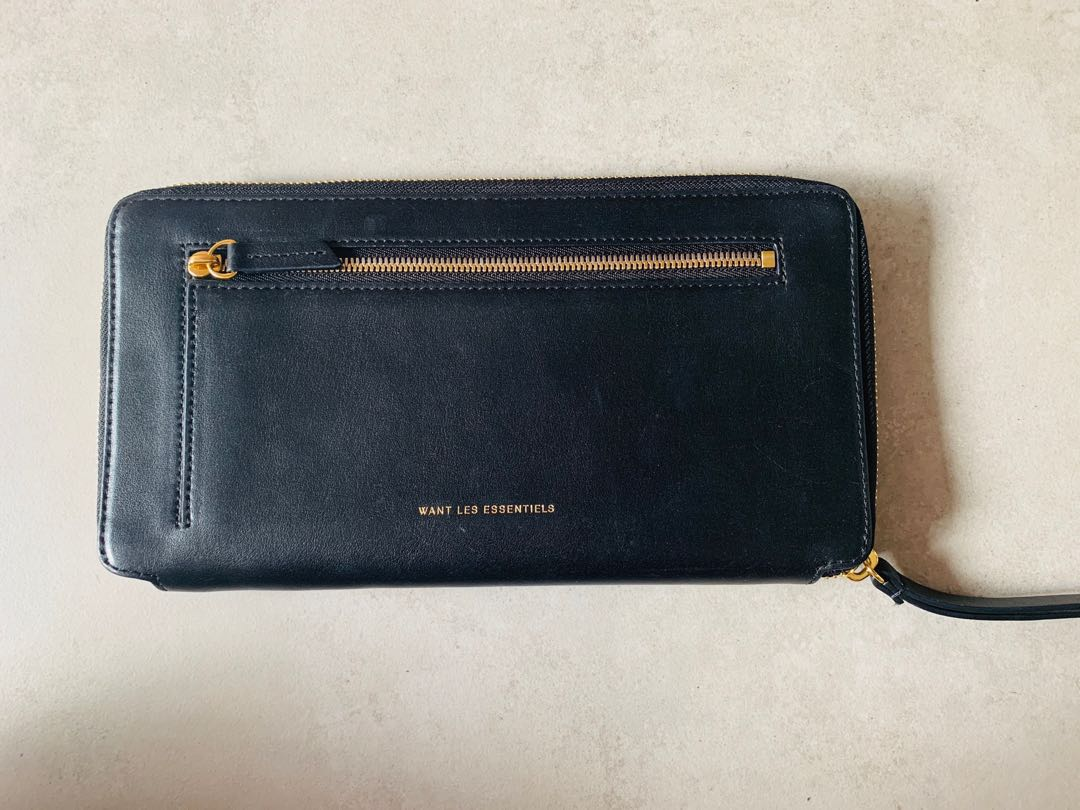 409b9d1c2 Want Les Essentiels Travel Wallet
