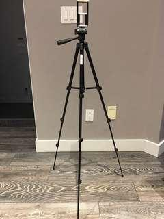 Tripod for smartphones and tablets