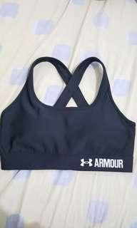 Under Armour padded sports bra-medium