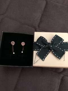 🚚 LLOYD 14k rose gold earring